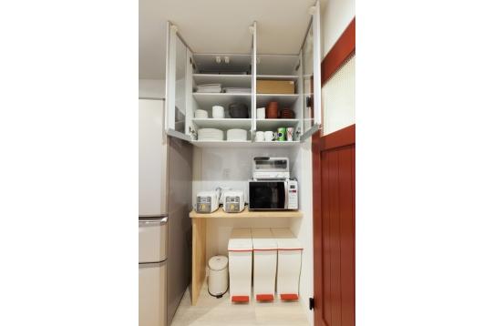 調理器具や食器も充実。