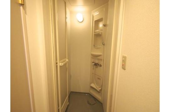 シャワールームもあります