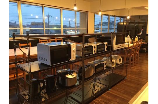 キッチンにはオーブンレンジや炊飯器などの家電も充実