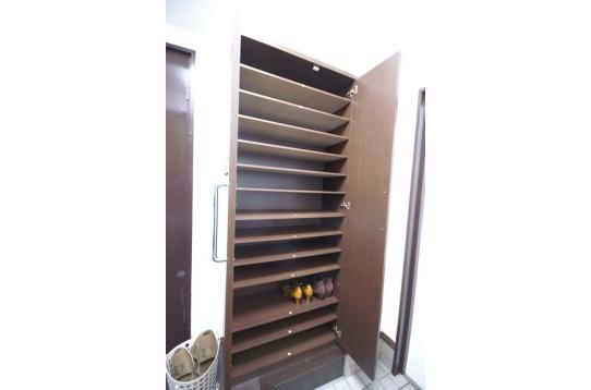 靴箱は1部屋2段の使用ができます。