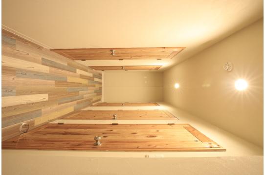 廊下も明るく暖かい雰囲気