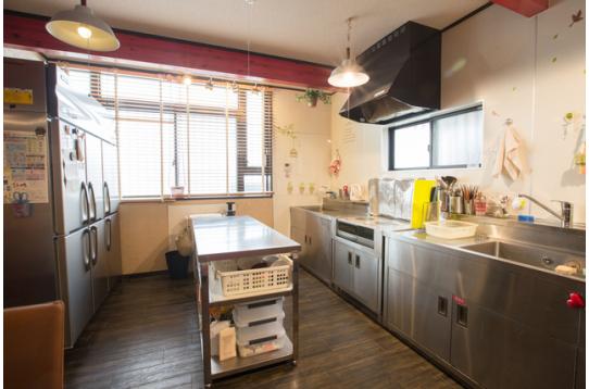 キッチンはステンレスのプロ仕様!