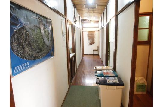 1階 廊下1