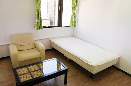 ゆったりとした明るい個室