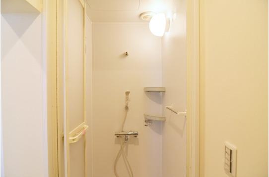 こちらはシャワールーム