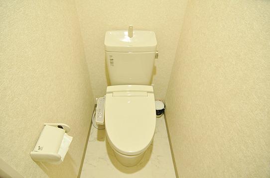 温水シャワー洗浄トイレが6つあります