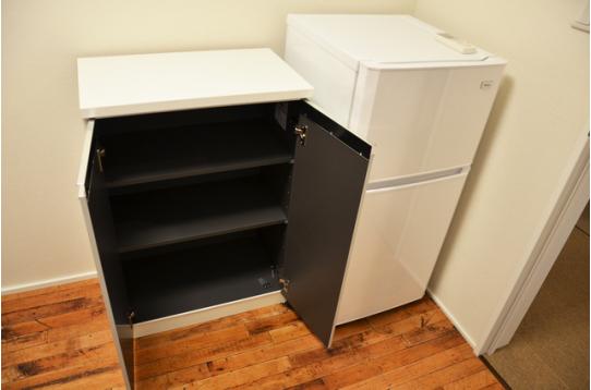 収納と冷蔵庫も完備!