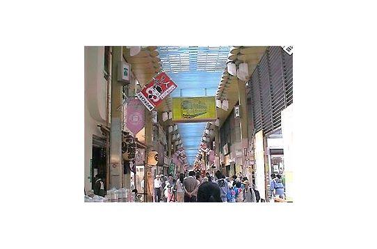 約500mにも及ぶアーケード商店街
