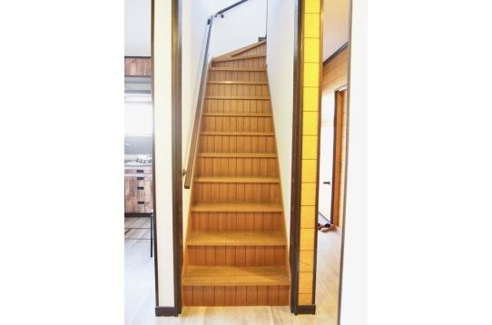 1階の階段部分。