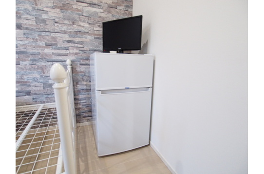 お部屋には、冷蔵庫、TV付き