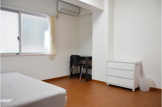 エアコンも各室完備されています。
