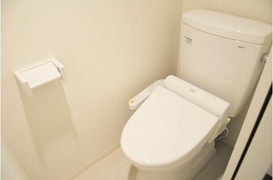 2つあるトイレはどちらもウォシュレットです。