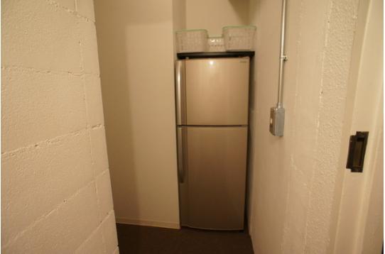 2階専用大型冷蔵庫(3人用)
