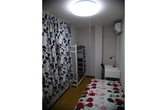 南側大型窓の明るいお部屋です 204号室