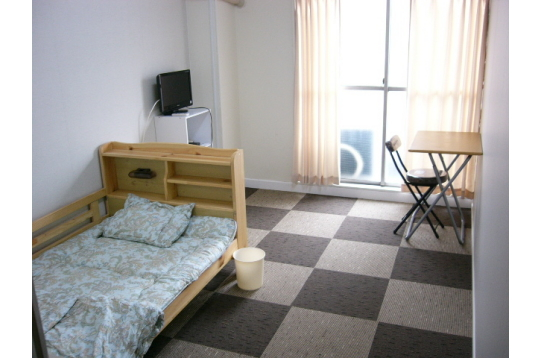 個室部屋 60,000円(共益費3,000円)