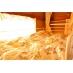 ベッドは広々、長さ220cm×幅100cm