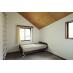 明るい東南の5.2畳のお部屋。