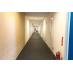 専有部に続く廊下の様子です