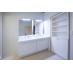 2.3階各フロアのシャワー室洗面台