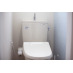 温水シャワー付きのトイレ