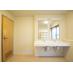 1階大浴室脱衣場(洗面台×2・トイレ有り)