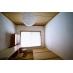 個室A:収納付畳ベッド、ドレッサー、机と椅子