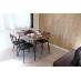 家具はお部屋の雰囲気に合わせて、ウッド調に統一。